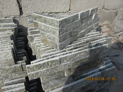 green quartzite wall stone corners