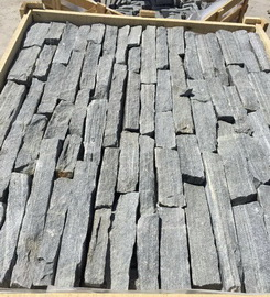 black loose stone veneer packing